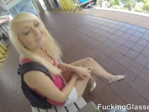 Sexy Big Ass Blonde Loves Reverse Cowgirl Fucking
