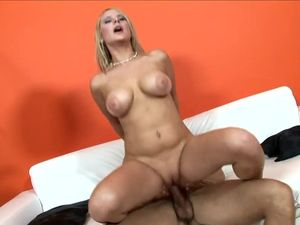 Slut With Sexy Curves Makes Him Cum On Her Tits