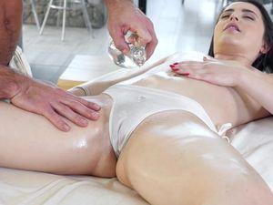 Great Sex With The Young Bikini Girl